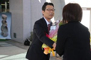 今井市長登庁